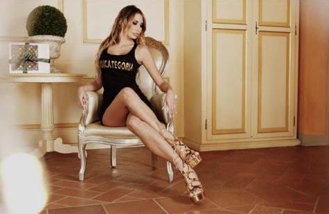 Sarah Altobello inarrestabile! Lancia la sua linea di moda #dicategoria