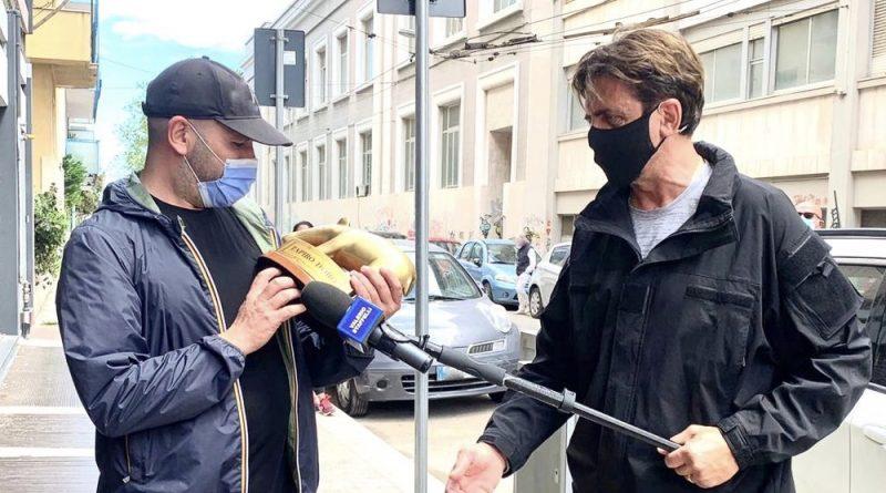 Tapiro d'oro a Checco Zalone: «Se la Pausini c'è rimasta male, faccio scambio con il Golden Globe»   Domani a Striscia la Notizia